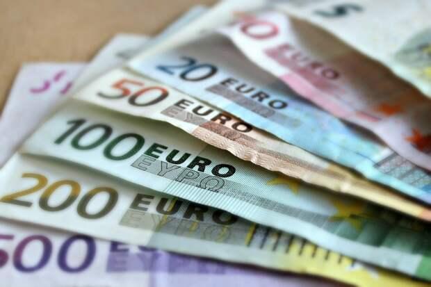 Евро перешёл отметку в 87 рублей впервые с 1 апреля