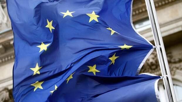 """Евродепутат заявил, что ЕС """"играет с огнем"""", провоцируя Россию"""