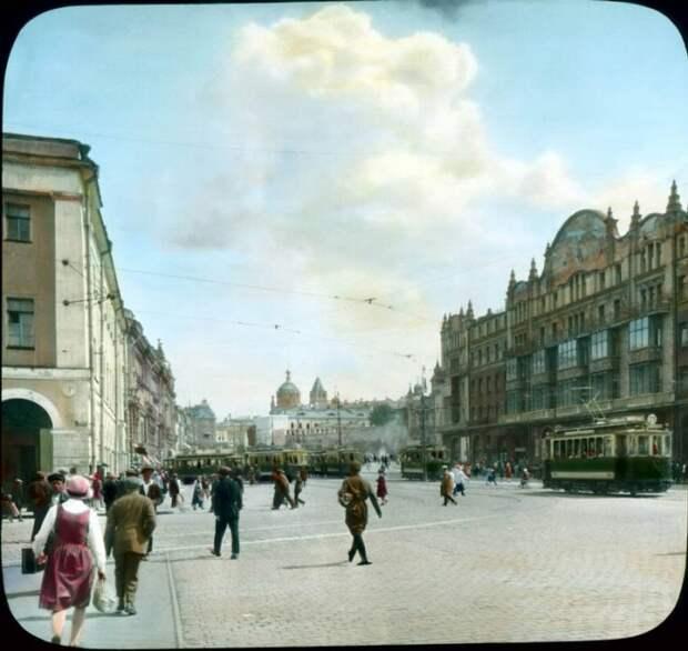 Редчайшие снимки цветной Москвы 1931 года в цвете (77 фото)