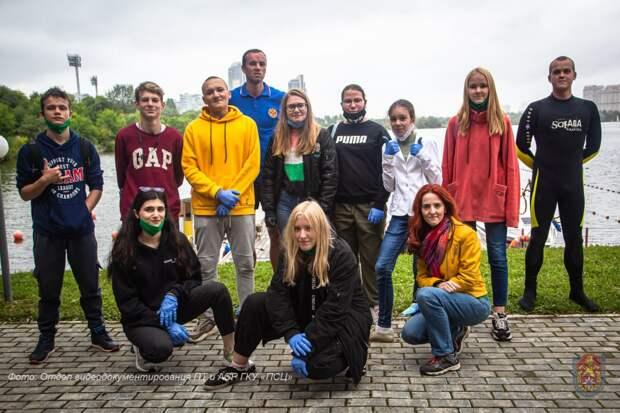 Московские школьники познакомились с работой водных спасателей