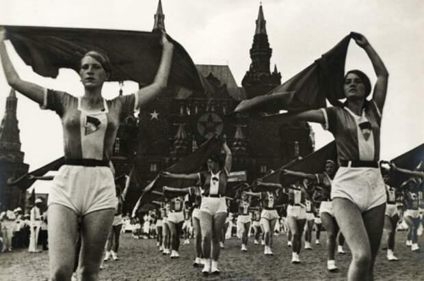 Винтажный фитнес. ХХ век - Россия, Франция, США
