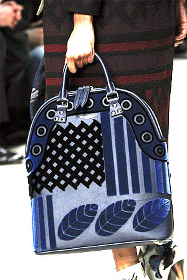 Синяя сумка от Burberry_Prorsum spring/summer 2014-2015