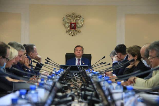 Россия наметила стратегию противостояния в информационной войне...