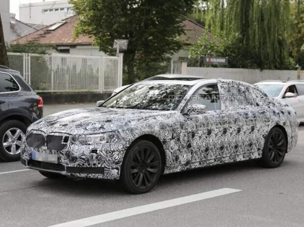 Новые моторы BMW дебютируют на седане 7-й серии