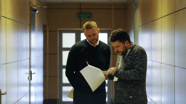 То ли полмиллиона, то ли сто тысяч. Сколько раз Леонид Волков обманул Алексея Навального