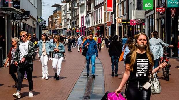Нидерланды отменяют почти все ограничения по коронавирусу