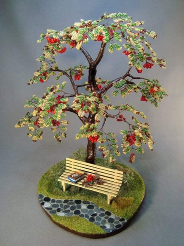Увлекательное плетение бисером: изготавливаем деревья (34 фото)