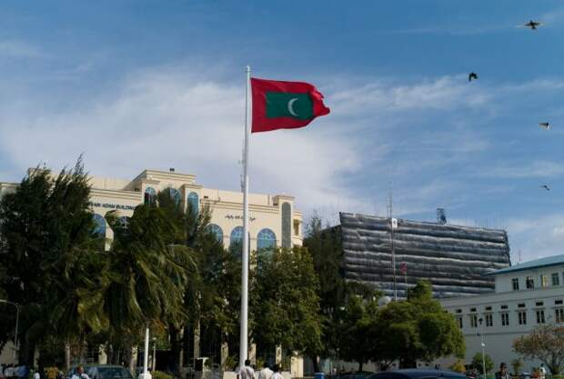 Мальдивы отменили тесты на COVID для привитых российской вакциной туристов