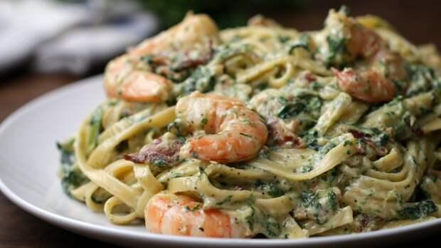 Как приготовить спагетти с креветками и грибами