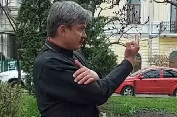 В Киеве священник устроил пьяный дебош, есть пострадавшие