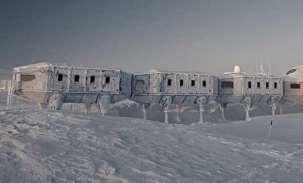 Полярник снял на видео силу пурги в Антарктиде: дверь станции промерзла насквозь