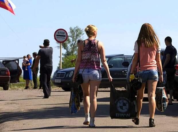 Украинцы тысячами бегут в РФ и просят статуса беженцев