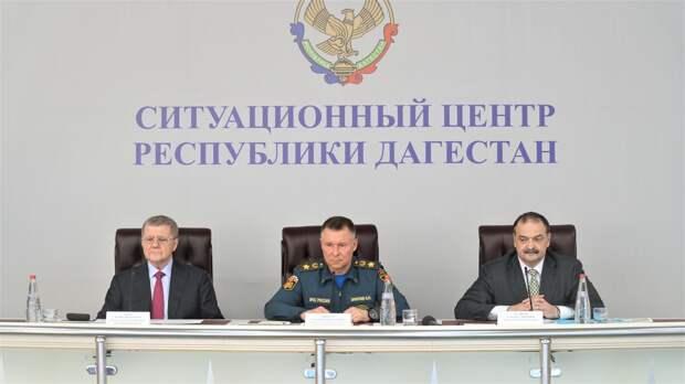 Евгений Зиничев провел в Республике Дагестан совещание по вопросам подготовки региона к сезонным рискам