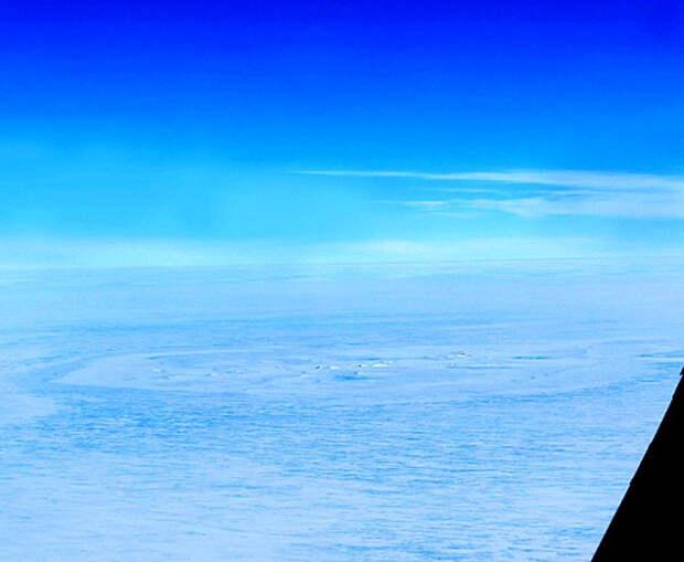 На льду Антарктиды нашли круг диаметром 2 километра