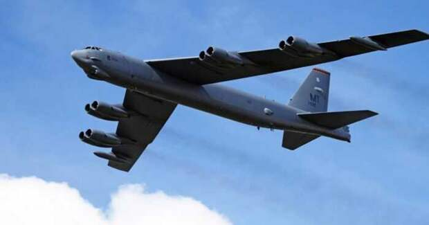 Стратегические бомбардировщики США вновь замечены над Европой с курсом на восток