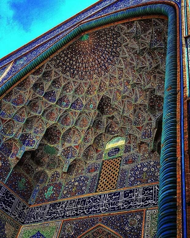 2. Мечеть шейха Лотфоллы в Исфахане, Иран. Этой мечети 400 лет. Историческая архитектура Ближнего Востока всегда славилась своей красотой и неповторимостью.