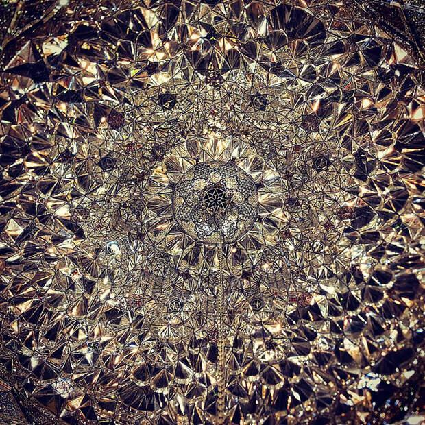 7. Мечеть Шах Чераг в Ширазе, Иран. Данные фото следует оценивать, как настоящий вклад и возможность лицезреть красоту Востока.