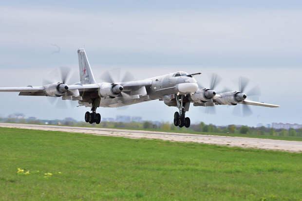 Модернизированный дальний бомбардировщик Ту-95МСМ совершил первый полет