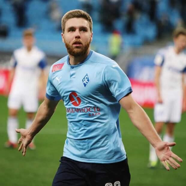 «Ахмат», забив в Самаре два быстрых  гола, едва не поплатился за игру на удержание счета. Но рекордсмен 1-го дивизиона Сергеев на 92-й минуте попал в штангу