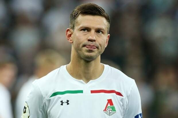 «Локомотив» едва не упустил победу, обеспеченную дублем окрыленного вызовом в сборную Смолова