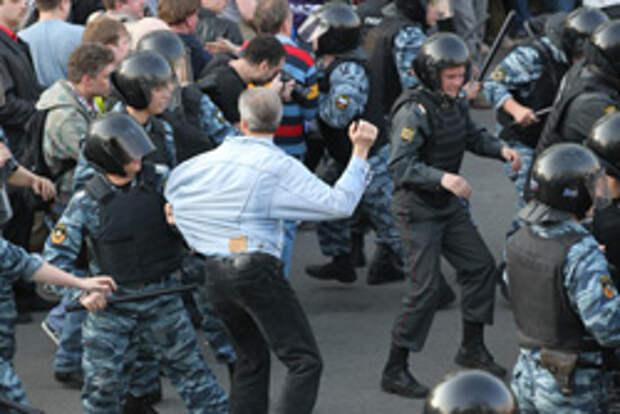 Беспорядки на Болотной площади 6 мая 2012 года. Фото: Сергей Михеев/РГ