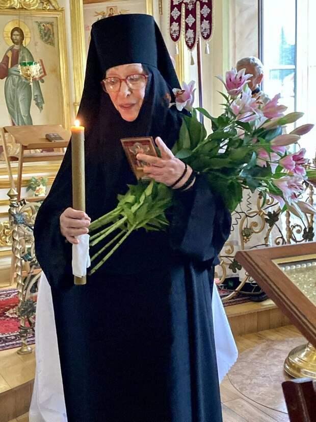 Звезда «Экипажа» Екатерина Васильева стала монахиней