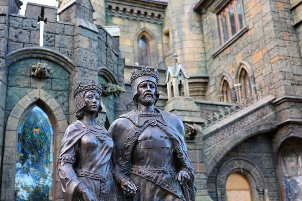 Вы знали, что в России есть настоящий за́мок?