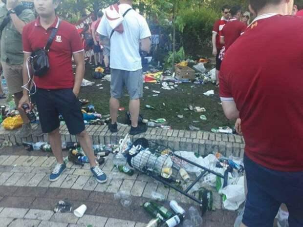 Иностранные болельщики ЧМ-2018 оставляют после себя горы мусора
