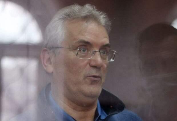 Экс-губернатор Белозёрцев признал получение денег от бизнесмена Шпигеля, но не считает их взяткой