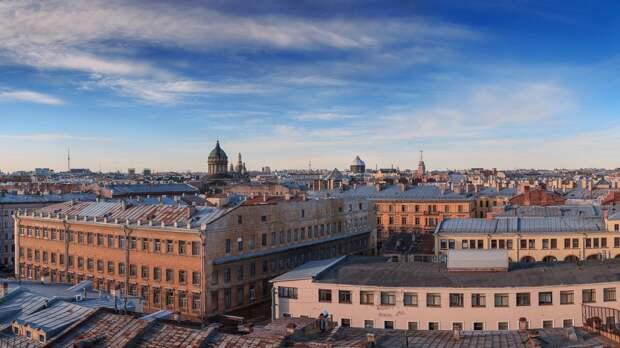 Теплая и ветреная погода ожидается в Петербурге в пятницу