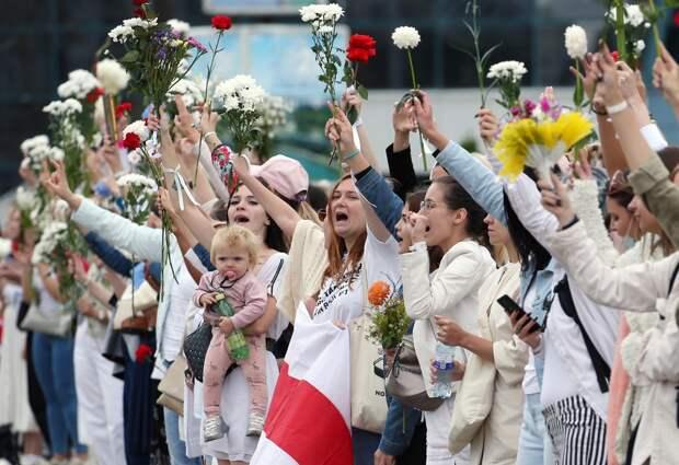 МВД Белоруссии будет «реагировать» народителей сдетьми наакциях протеста