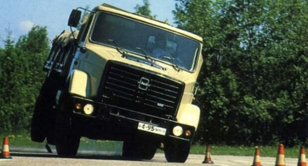 В Сети опубликовали снимки грузового авто ЗИЛ-4331 на испытаниях