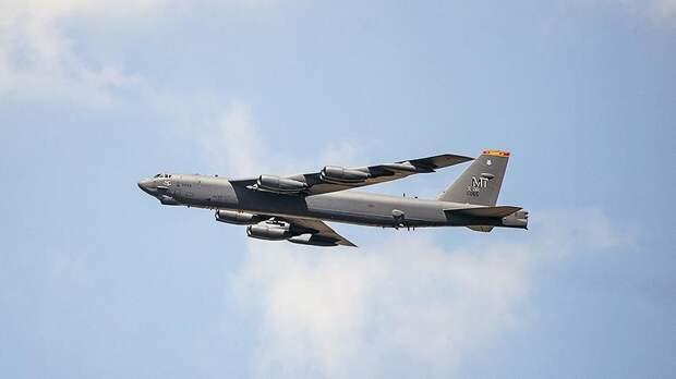 В МО объяснили попытки бомбардировщиков США пролететь над Россией