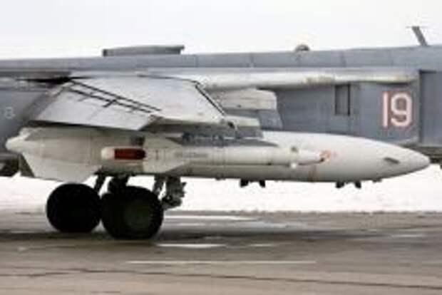 Ракета Х-25 под крылом Су-24М. Фото Алесея Китаева