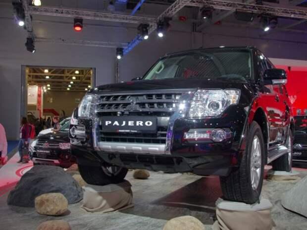 Обновленный Mitsubishi Pajero и Outlander PHEV: с ценой и без очереди