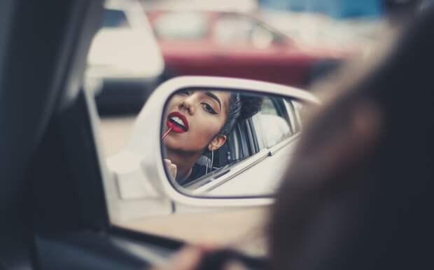 Набор косметики в машину