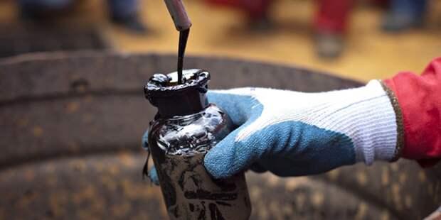 Цена на нефть Brent упала ниже 28 долларов