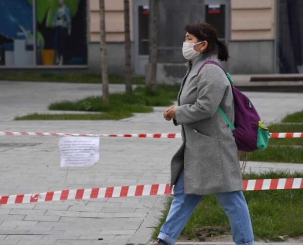 Голикова предупредила о необходимости ношения масок осенью