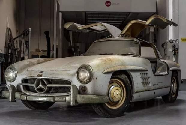 Уникальный Mercedes-Benz 300SL Gullwing, который простоял в гараже 60 лет (8 фото)
