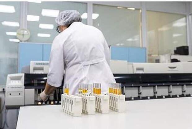 В Москве выявили первые случаи нового варианта коронавируса AY.4.2
