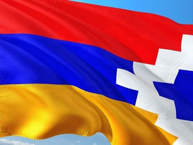 Военное положение и всеобщую мобилизацию объявили в Нагорном Карабахе и Армении