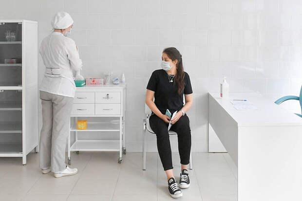 Началась вакцинация москвичей в рамках исследования вакцины от COVID-19