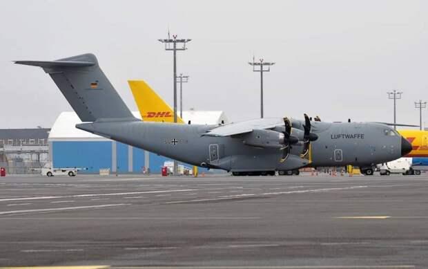 Немцы предпочли вывезти из Кабула 22 тонны пива, оставив афганцев на лётном поле аэродрома