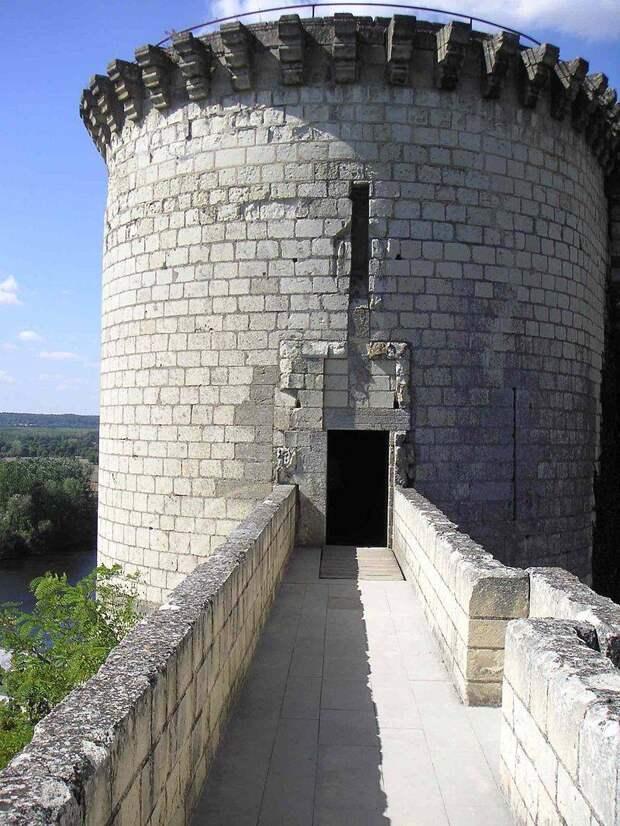 Шинон: замок одного из чудес Орлеанской девы
