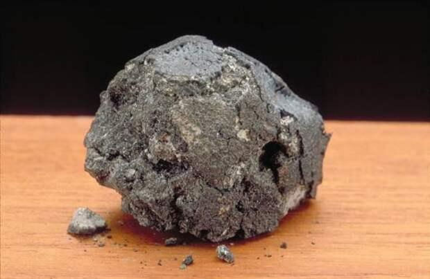 Следы внеземной жизни обнаружили ученые внутри метеорита
