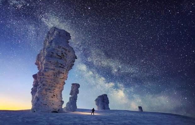 Зимой таинственные столбы выглядят еще более величественно. /Фото: flashnord.com