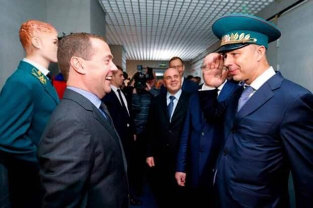 Не успели стихнуть отголоски пенсионной реформы, как Медведев готовит электрическую