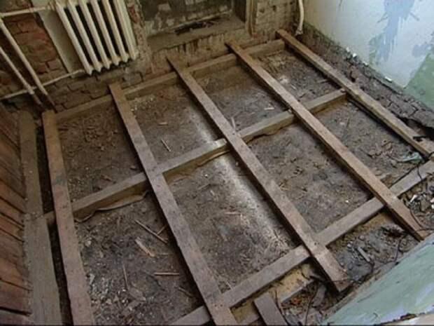 Как быстро демонтировать деревянный пол, если помощников нет