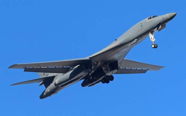 """Птица низкого полета. Почему американский конкурент Ту-160 вышел """"сырым"""""""