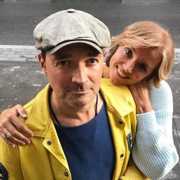 «Человек родился»: Егор Бероев принимает поздравления от близких